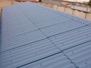 明石の現場で屋根の上塗りが終わりました。