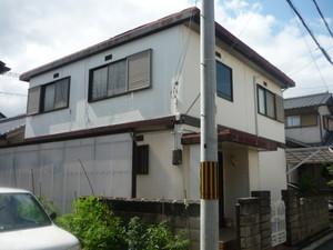 お盆あけから、加古川市で外壁改修工事をしています。